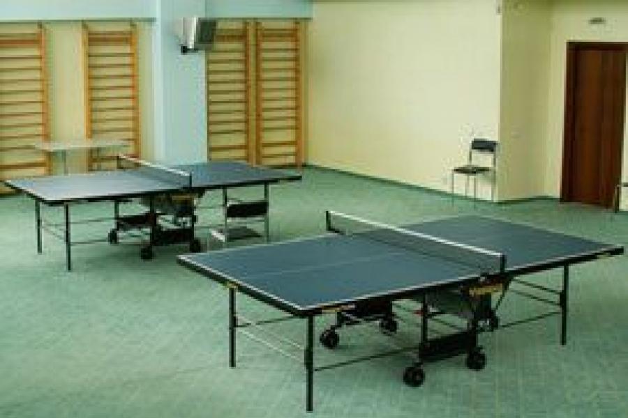 Complexul Sportiv Mazicon - mese de ping-pong