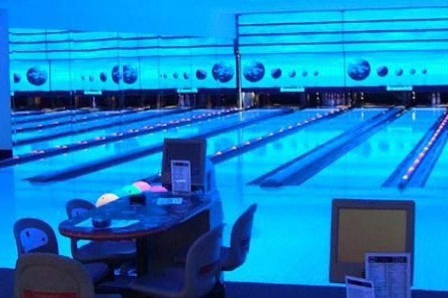 IDM Club - piste bowling