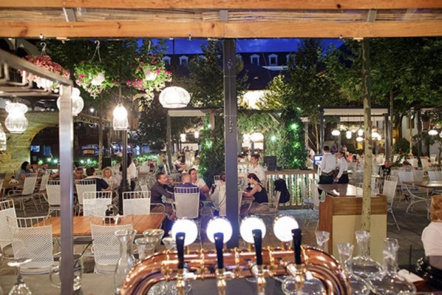 Restaurant Hanul lui Manuc - Centrul Vechi Bucuresti